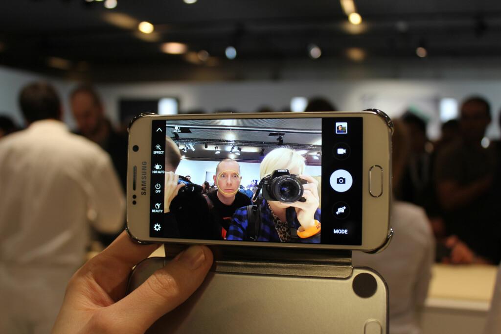 BEDRE KAMERA: De nye toppmodellene skal også ha bedre kamera enn forgjengeren. Det skal være kjappere og mer lysfølsomt.  Foto: KIRSTI ØSTVANG