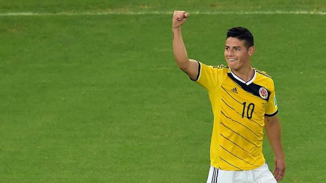 <strong>LEKKERT:</strong> James Rodriguez kan juble for toppscorertittelen og tittelen for VMs peneste scoring. Foto: AFP PHOTO / GABRIEL BOUYS / NTB Scanpix