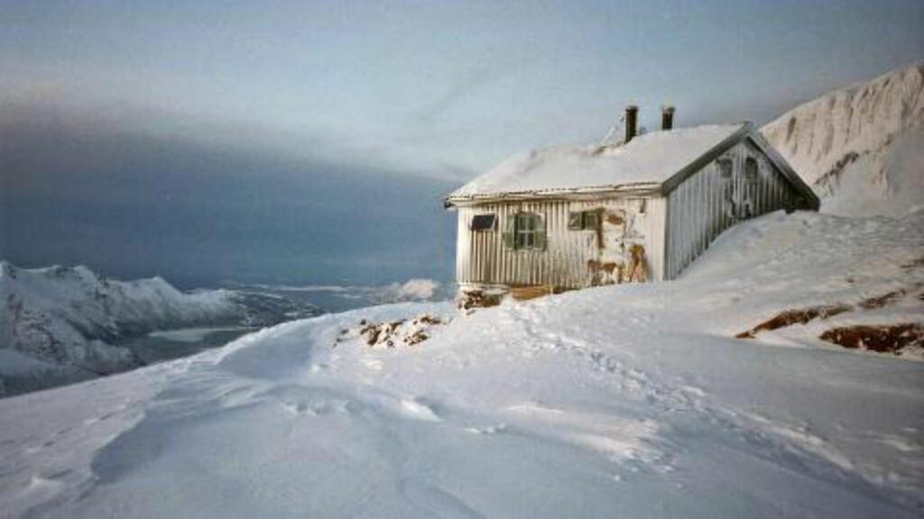 UTILGJENGELIG: Tåkeheimen ligger 1073 meter over havet, og er Nord-Norges høyest beliggende turistforeningshytte. Foto: BODØ OG OMEGN TURISTFORENING