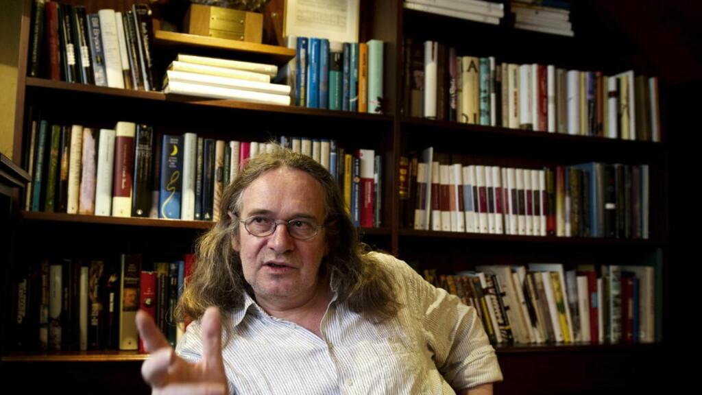 SA OPP: Ingvar Ambjørnsens nye bok handler om et døgn i 2010, da han bestemte seg for å si opp som romanforfatter .  Foto: Øistein Norum Monsen / DAGBLADET