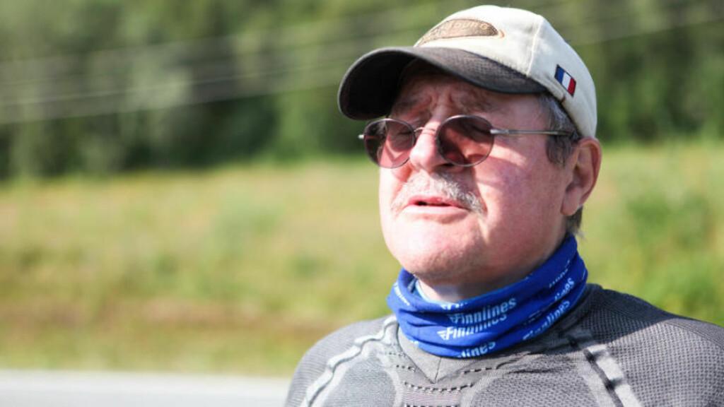 SUPERMOSJONIST: Thomas Rudolf fra Finland har syklet den tredje etappen motsatt vei. Den er knalltøff, mener den sjarmerende 60-åringen. Foto: Kjetil R. Anda