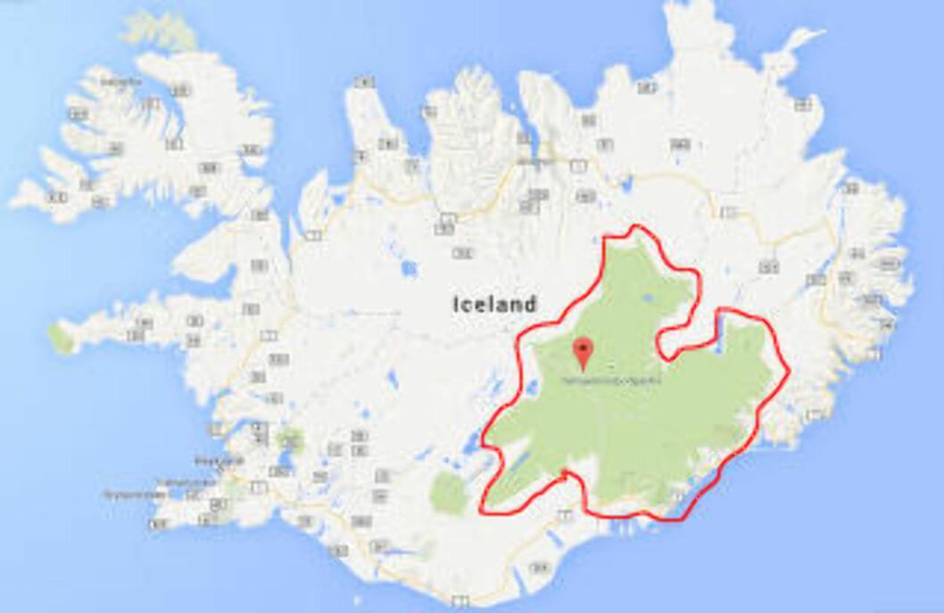 UTBRUDD UNDER ISEN: Vulkanen som nå har brutt ut under isen, ligger under isdekket til Vatnajökull-isbreen på Island. Den dekker mer enn åtte prosent av Island. Først når utbruddet eventuelt kommer seg gjennom isen, kan det få konsekvenser for andre land. Skjermdump: Google Maps