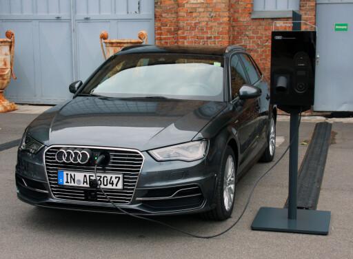 BOOSTER ETTERSPØRSELEN: I 2015 vil vi se en dreining i bilsalget mot ladbare hybrider, som denne Audi A3 e-tron. Foto: KNUT MOBERG