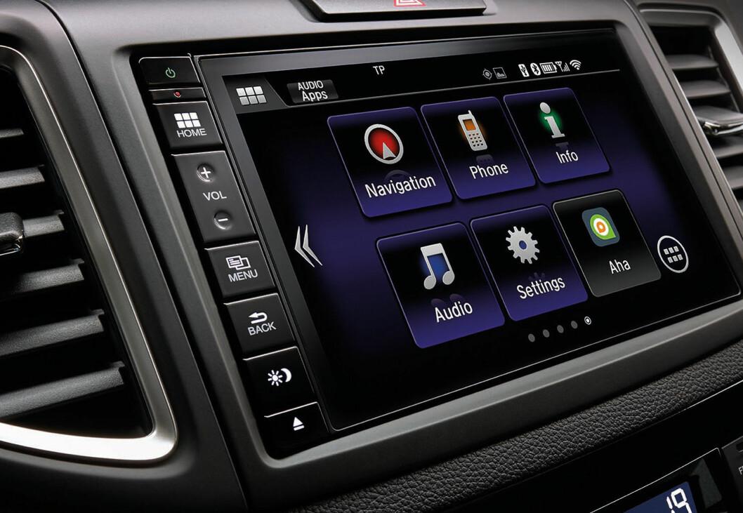 <strong><b>OPPKOBLET:</strong></b> Honda tar steget inn i 2015 med Honda Connect, produsentens nye app-drevne infotainment-system. Foto: HONDA