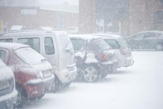 <strong><b>EGENTLIG OPPLAGT:</strong></b>Vinter og kulde krever litt mer av oss som bilister, enten vi kjører bensin eller diesel... Foto: COLOURBOX