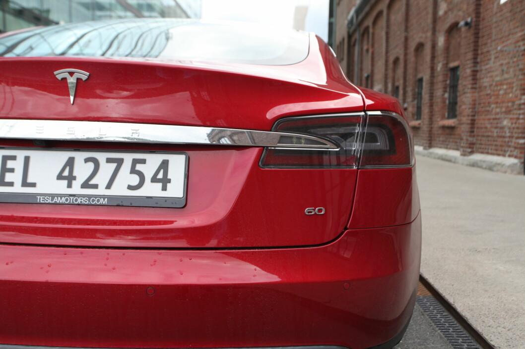 <strong><b>OPP 9,8 PROSENT:</strong></b> Tesla forklarer det med endringer i valutakursen. Foto: KNUT ARNE MARCUSSEN