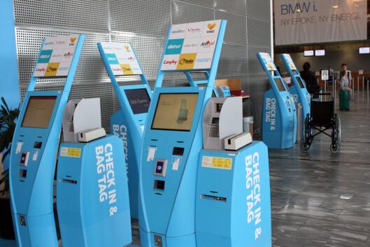 <strong><b>SELVBETJENING:</strong></b> Sjekk inn via innsjekkingsautomat eller mobil eller nett. Her kan du sjekke inn til charterflyvninger med SAS. Foto: KRISTIN SØRDAL