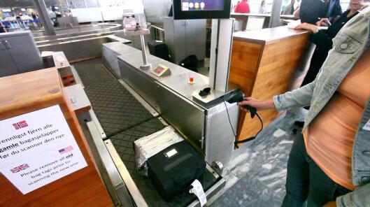 <b>SELVBETJENT BAGASJEBÅND:</b> Du kan skanne og sende bagasjen din selv, og det er ganske enkelt! Foto: PER ERVLAND