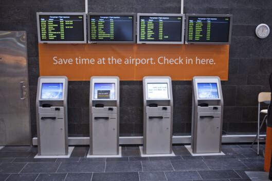 <strong><b>SJEKK INN PÅ TOGSTASJONEN:</strong></b> Du kan også sjekke inn på Flytogterminalen på Oslo S eller Drammen stasjon. Foto: Per Ervland