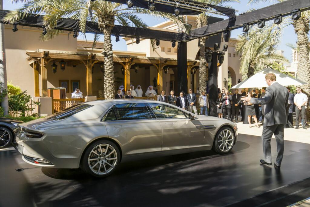 SUPERLUKSUS: Lagonda Taraf blir her avduket i Dubai tidligere denne måneden. Foto: ASTON MARTIN LAGONDA