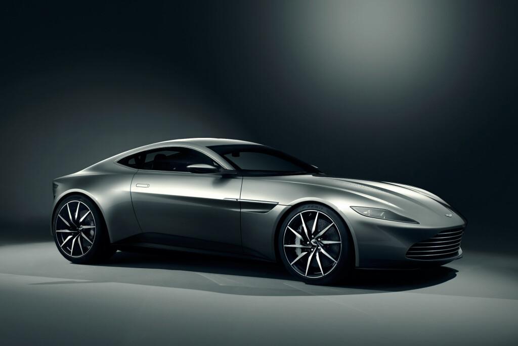 <b>NY STIL:</b> Silhuetten kan minne om dagens sportsbiler fra Aston Martin, men designen er et brudd med stilen vi kjenner fra de fleste Aston-modeller i dag. DB10 er laget spesielt for den kommende James Bond-filmen - <em>Spectre.</em> Foto: ASTON MARTIN LAGONDA