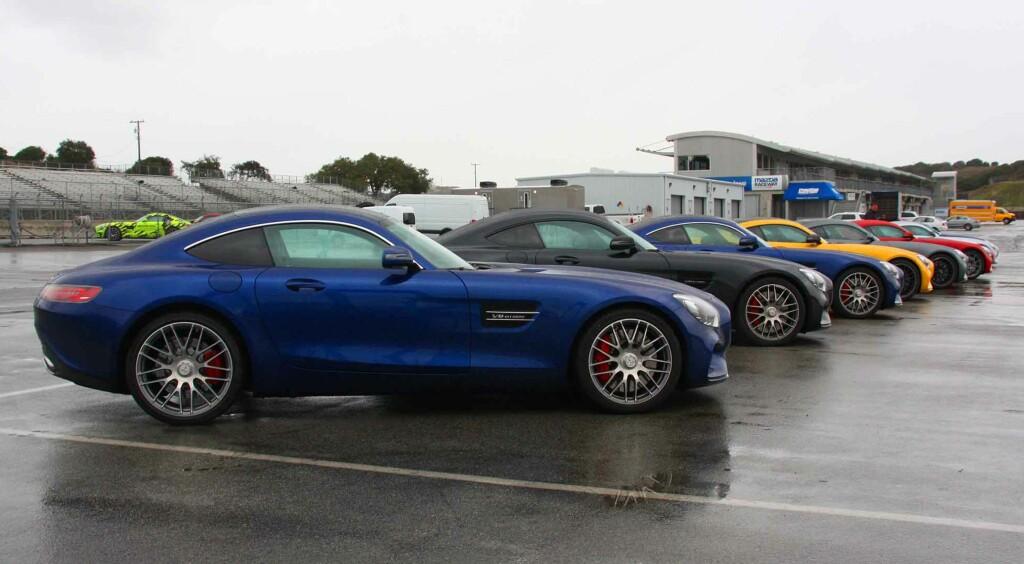 KLARE FOR DYST:Mercedes-AMG tilbyr et uvanlig sprekt fargeutvalg på disse bilene. Foto: KNUT MOBERG