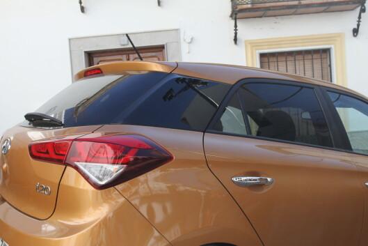 <strong><b>SIGNATUR:</strong></b> Det sorte feltet på C-stolpen gjør at alle vil klare å skille bilen fra konkurrentene. Foto: RUNE M. NESHEIM