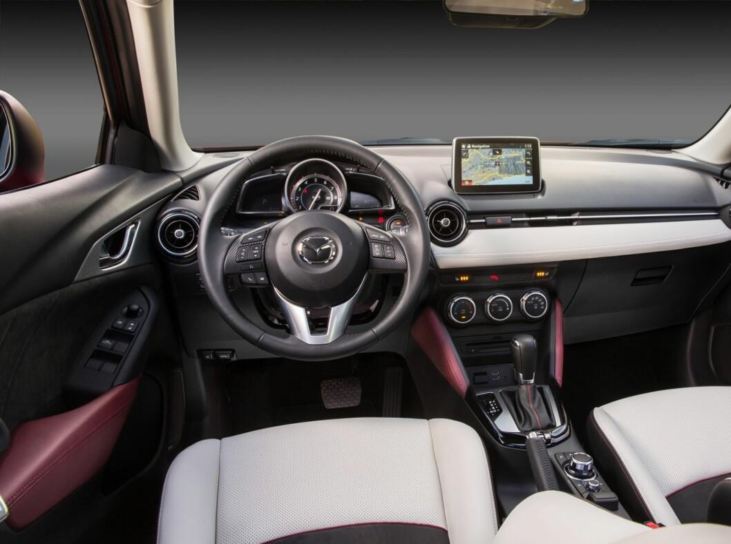 <strong>NYTT INTERIØR:</strong> CX-3 følger opp interiørdesignet fra Mazda2.  Foto: MAZDA