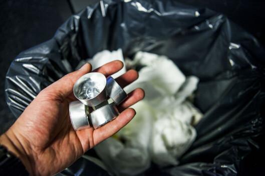 <strong><b>IKKE I SØPPELET:</strong></b> Aluminium kan gjenvinnes igjen og igjen, så telys bør alltid resirkuleres. Foto: PER ERVLAND