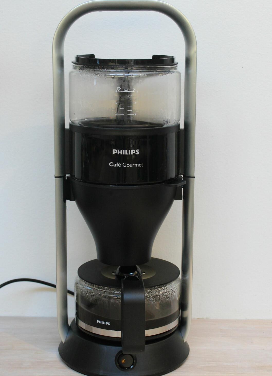 <strong><b>WOW-FAKTOR:</strong></b> Philips trakter skiller seg ut. Det er bra, for du blir stående og se leeenge på den før kaffen er klar. Foto: ELISABETH DALSEG