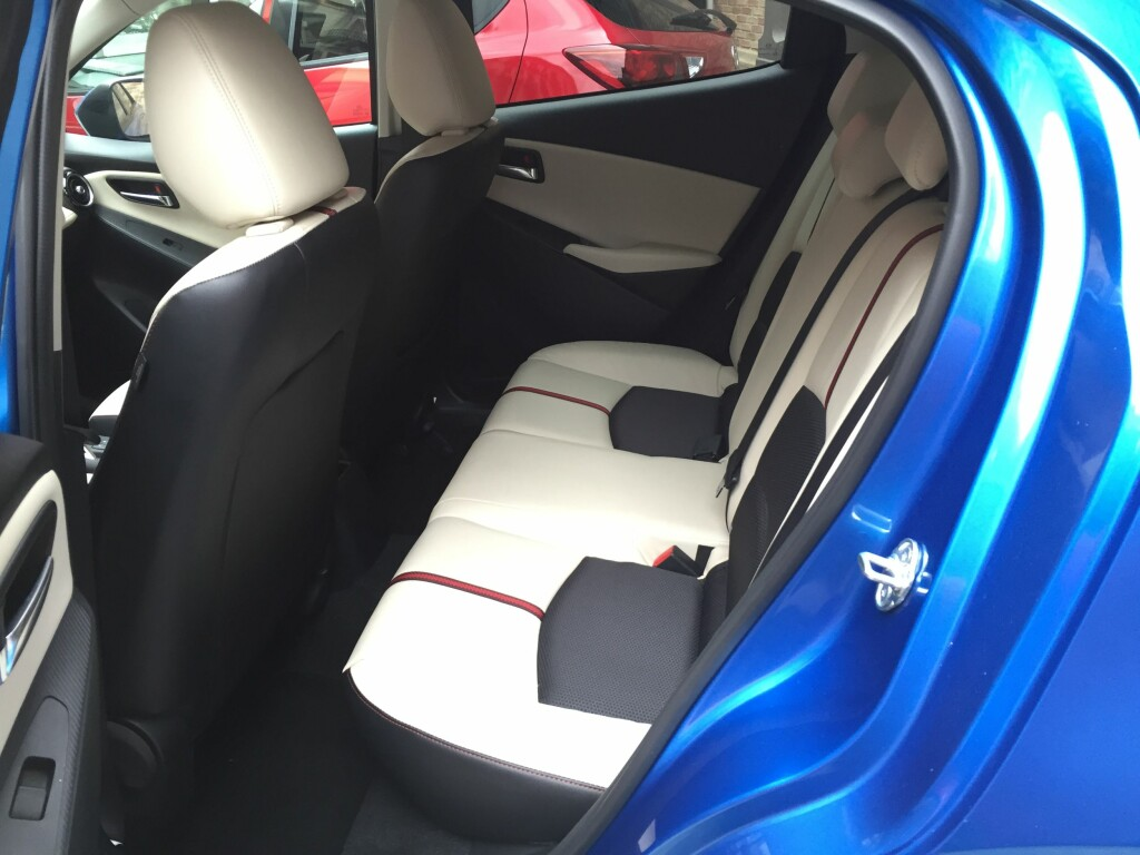 TRANGT BAK: God sittestilling for sjåfør er prioritert. Det går utover de som sitter bak. Foto: RUNE M. NESHEIM
