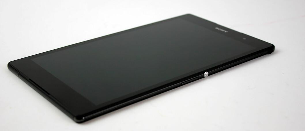 <strong><strong>8 TOMMER:</strong></strong> Sony Xperia Z3 Tablet Compact har 8-tommers skjerm med oppløsning på 1920x1200 piksler. Foto: PÅL JOAKIM OLSEN