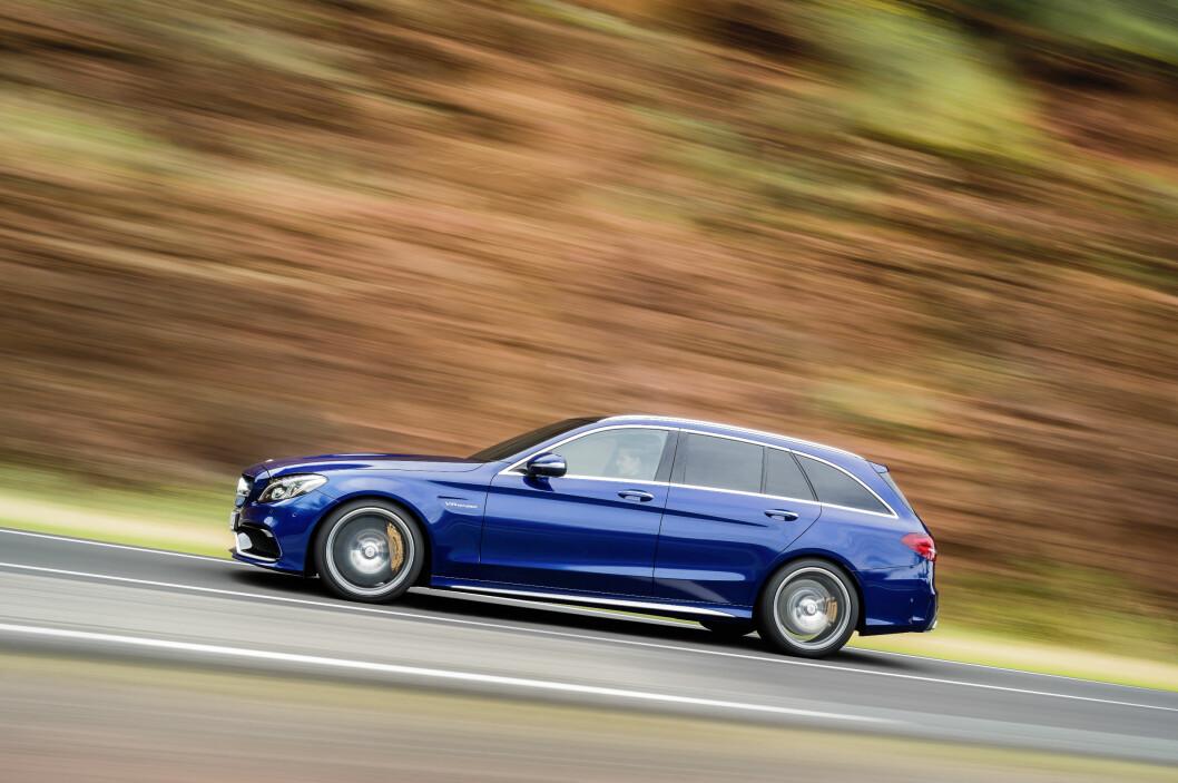 <strong><b>FAMILIE-RACER:</strong></b> Mercedes-AMG C 63 kler stasjonsvognkarosseriet. Foto: DAIMLER
