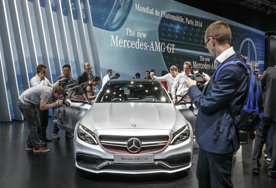 <strong><b>PARIS-PREMIÈRE:</strong></b> Mercedes-AMG C 36 ble vist i Paris, men kom litt i skyggen av AMG GT. Foto: DAIMLER