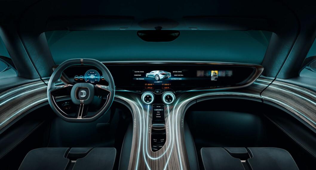 <b>SCIENCE-FICTION? </b>Nei, bilen er klar for veien! Foto: NANOFLOWCELL