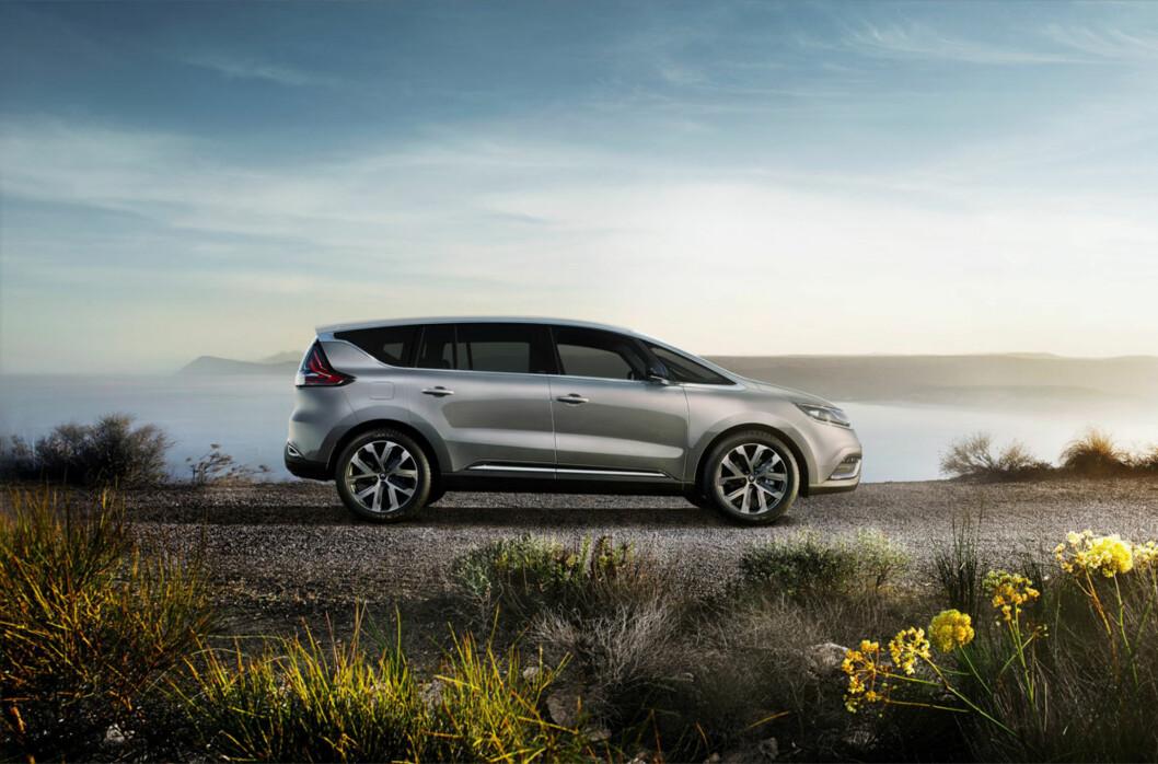 <strong><b>SLIK BLIR DEN:</strong></b> Joda, Renault Espace blir nesten overraskende lik konseptbilen - dette er en ganske innovativ stil (igjen), fra Renault. Så gjenstår det å se om den faller i smak hos publikum. Foto: RENAULT