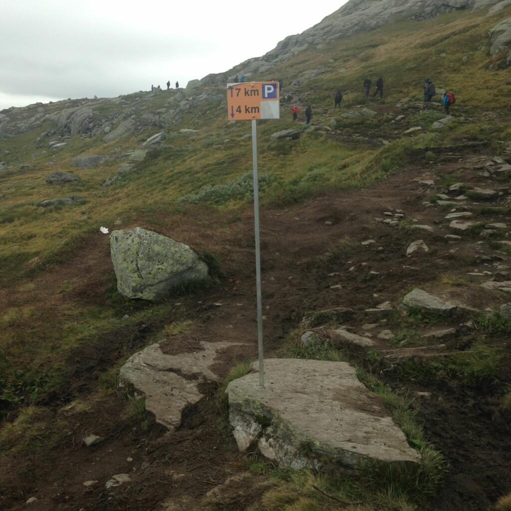 LANGT: Det ble tunge kilometre tilbake til Skjeggedal. Foto: Bjørn Eirik Loftås