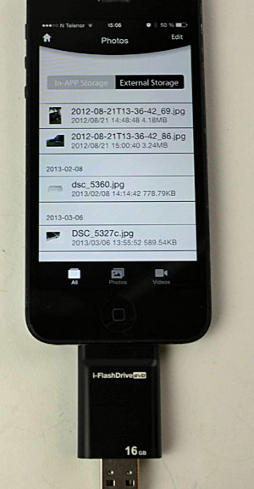 <strong><b>i-FlashDrive:</strong></b> Appens listing av bilder på minnekortet. Foto: ØYVIND PAULSEN