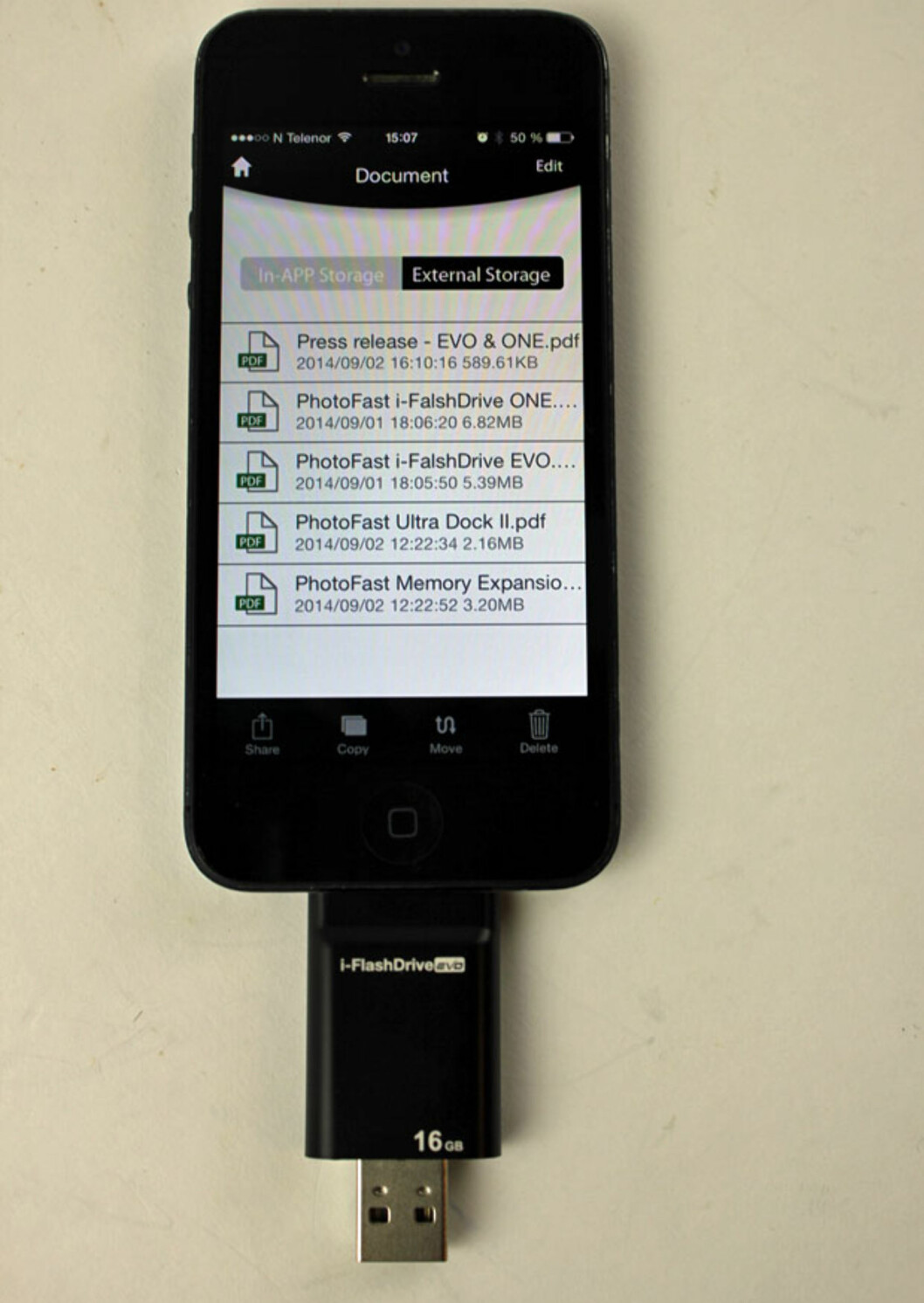 <strong><b>i-FlashDrive:</strong></b> Appens listing av dokumenter du har på minnekortet. Foto: ØYVIND PAULSEN