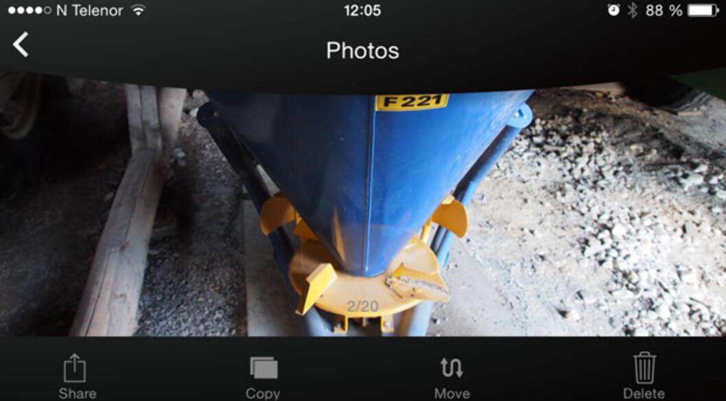<strong><b>i-FlashDrive:</strong></b> Bildevisning på iPhone, som vanlig kan du se bilder horisontalt/vertikalt, og sveipefunksjon til neste bilde er på plass. Foto: ØYVIND PAULSEN