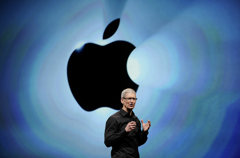 <b>PÅ SCENEN:</b> Om få timer skal Apple-sjef Tim Cook vise frem siste nytt fra selskapet.  Foto: David Paul Morris / All Over Press / Getty Images