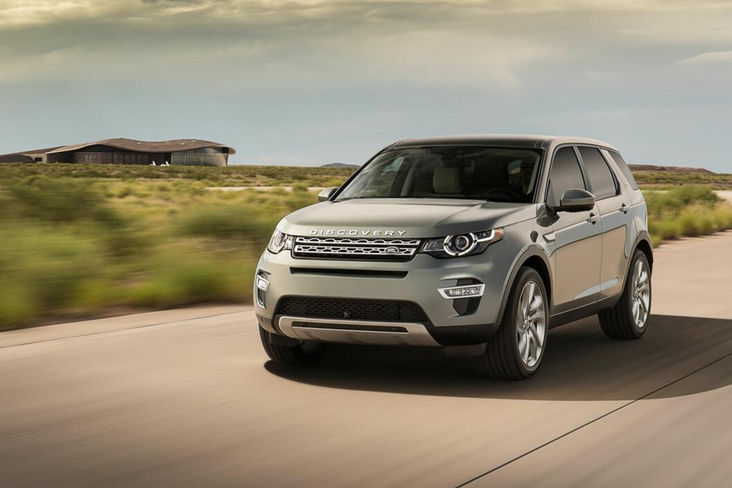 <strong><b>KAN BLI EN NORGESFAVORITT:</strong></b> Land Rover Discovery Sport har alle forutsetninger for å bli en Norges-favoritt, sporty utseende, mye utstyr, premium interiør og ikke minst gunstige priser. Foto: Land Rover