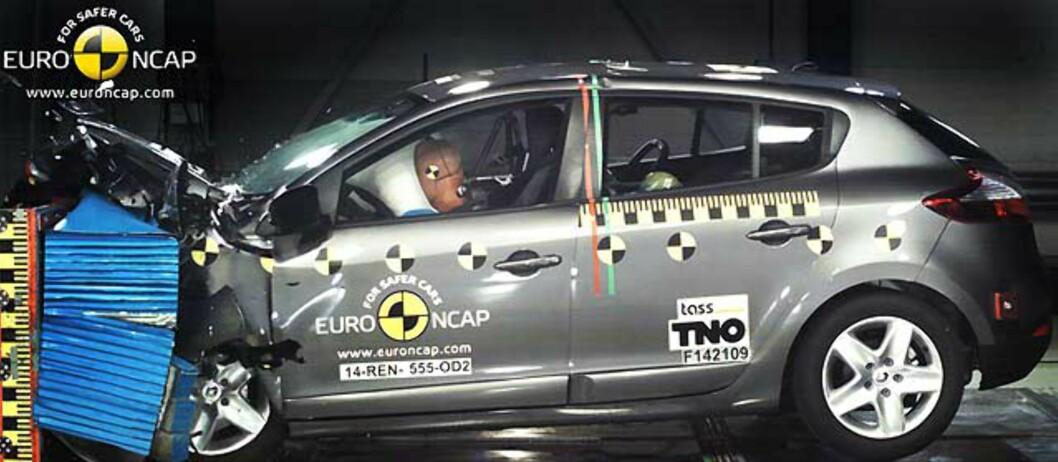 Renault har gjort det bra i tidligere tester, men gikk nå på en stjernesmell.  Foto: EURO NCAP