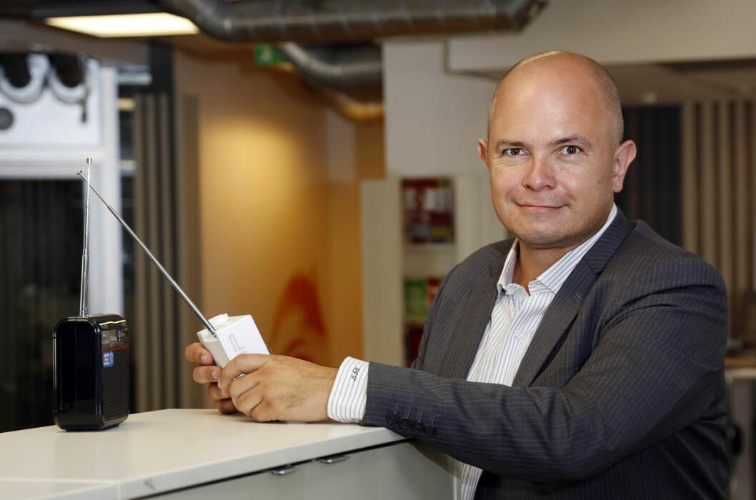 <strong><B>RIKTIG ANTENNE:</strong> </B>Ole Jørgen Torvmark i Digitalradio Norge understreker hvor viktig det er å ha riktig antenne når du monterer DAB-radio i bil. Foto: TORE GURIBY/RADIO.NO