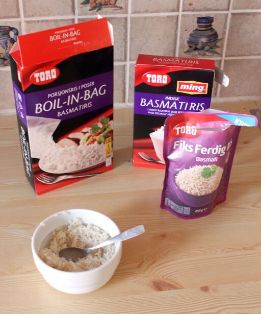 UTEN KJELE: Toros Fiks Ferdig Ris kokes ikke i kjele, og må derfor helles over i en skål, om du ikke vil helle den rett på asjetten.  Foto: KIRSTI ØSTVANG