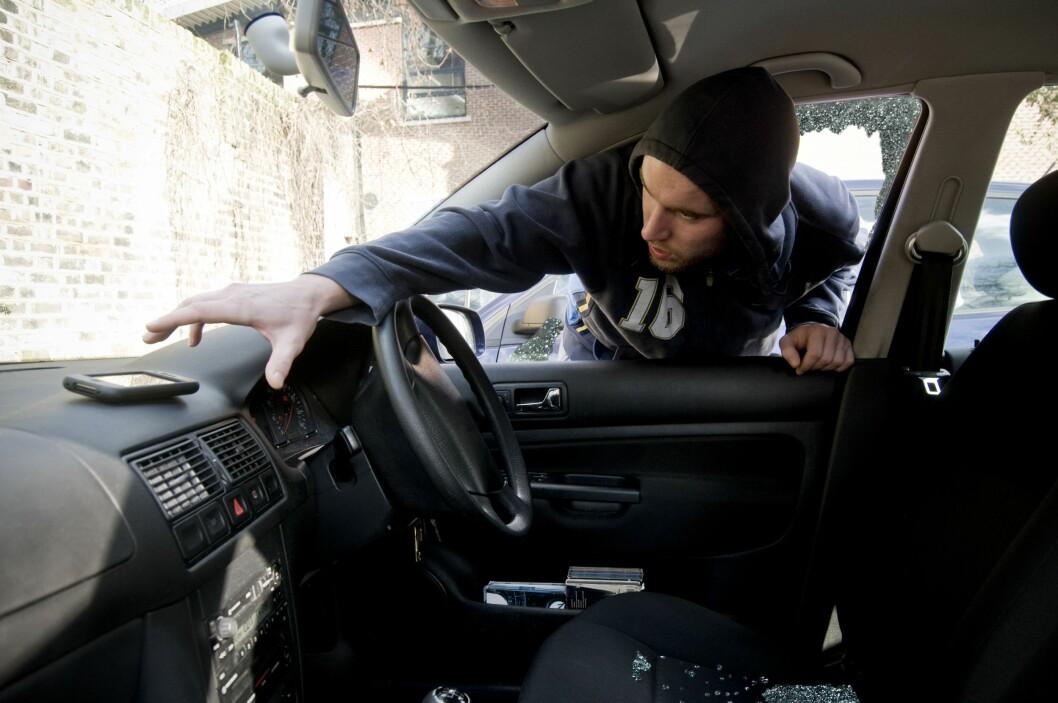 <strong><b>FØLG MED:</strong></b> Ikke stopp for hvem som helst langs veien, europeiske landeveisrøvere kan lure deg før du aner det.  Foto: ALL OVER PRESS