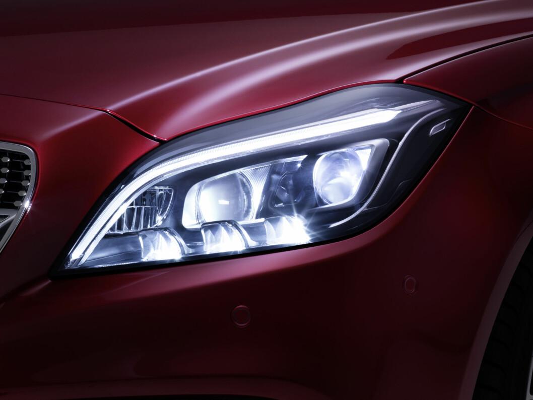 Mercedes-Benz Multibeam LED frontlykt Foto: DAIMLER