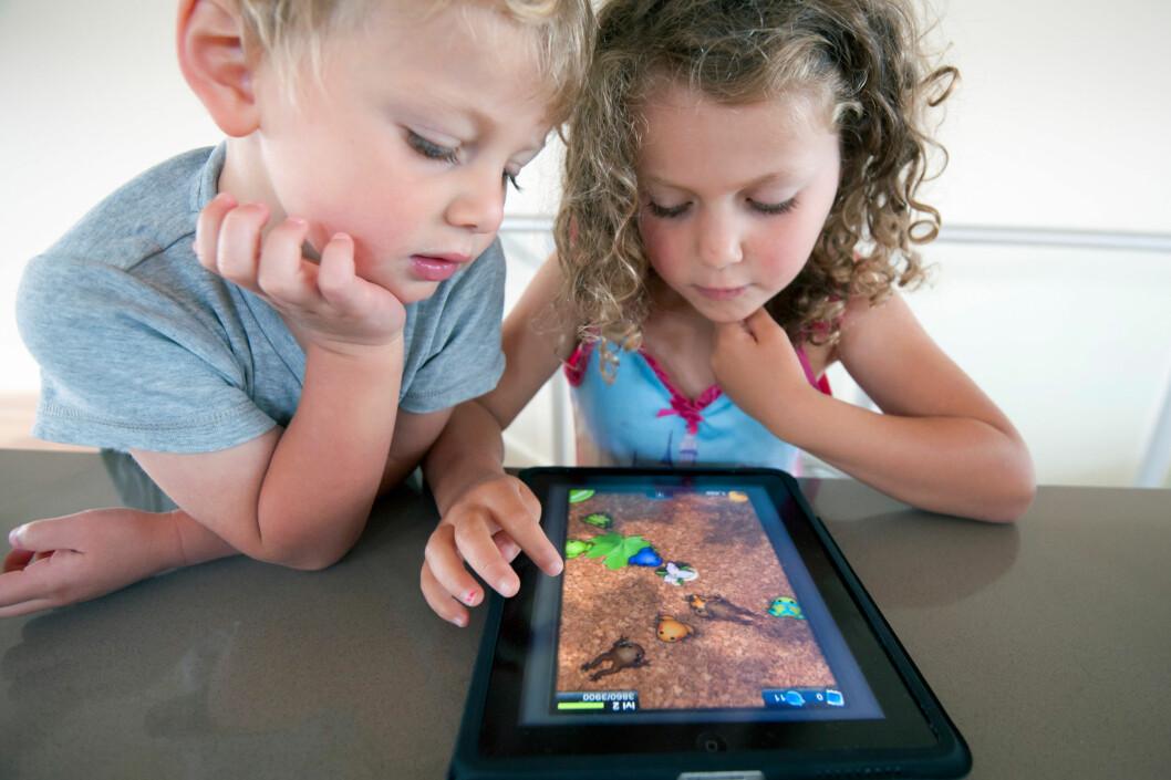 <strong><strong>ANNENHVER GANG:</strong></strong> Har du flere barn enn nettbrett, er det kjekt med spill man spiller etter tur. Foto: ALL OVER PRESS