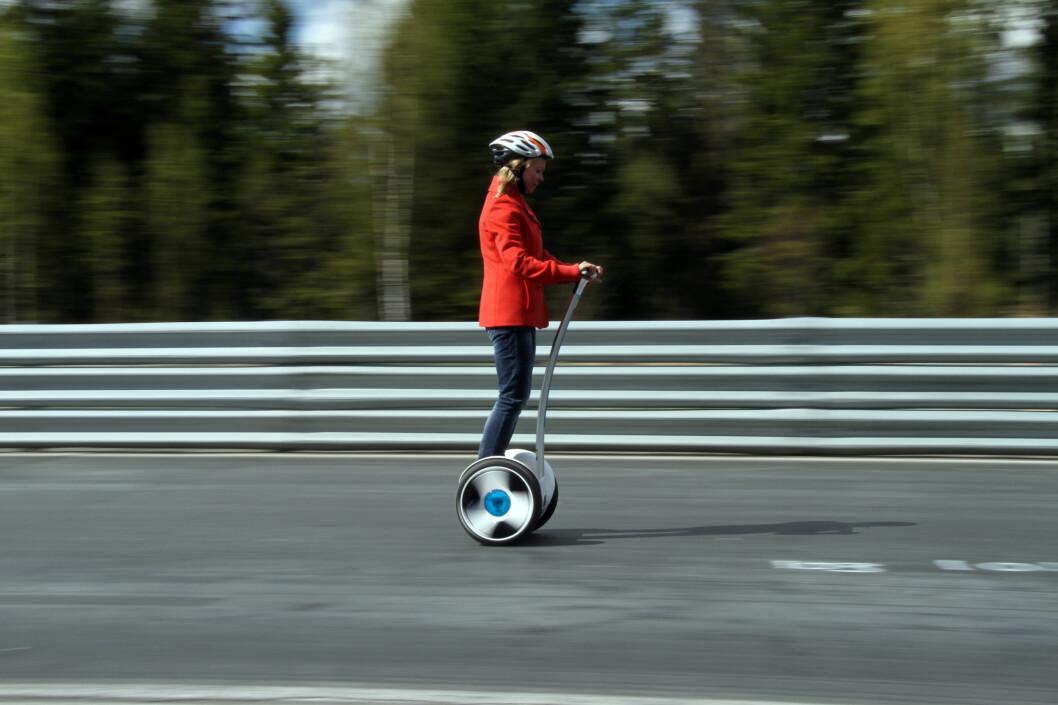 <strong><b>NÅ BLIR DET LOV:</strong></b> Fra 1. juli kan du kjøre ståhjuling i Norge, innenfor gitte rammer. Foto: FRED MAGNE SKILLEBÆK