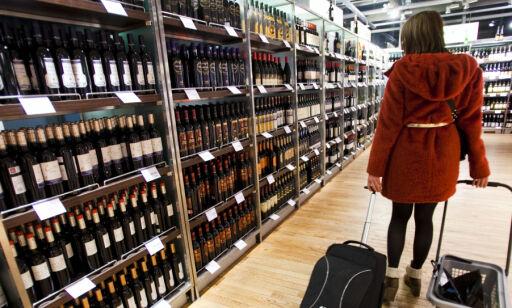 image: Dropp tobakk, kjøp mer alkohol