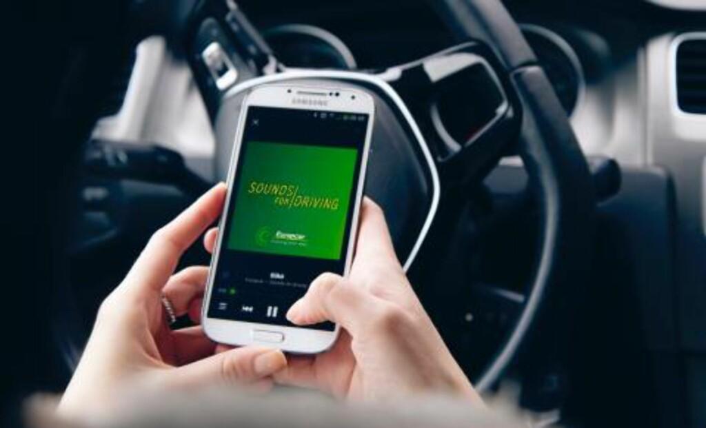 SJU LÅTER: To svensker har studert hva musikk gjør med oss og har nå lagd sju låter som gjør bilkjøringen til en lek.  Foto: SOUND FOR DRIVING