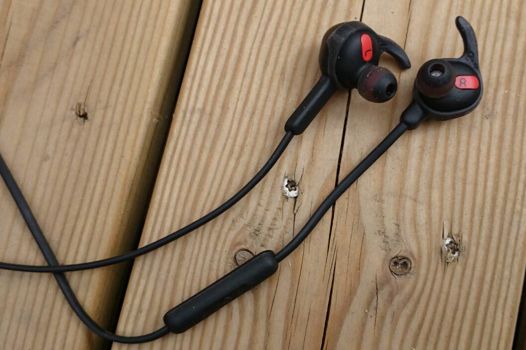 <strong>TRÅDLØS?</strong> Jabra Rox Wireless trenger i hvert fall ikke ledning til enheten du spiller fra. Foto: PÅL JOAKIM OLSEN