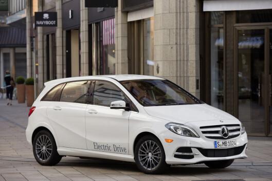 <strong><b>TRADISJONELL:</strong></b> Mercedes har, på lik linje som VW, valgt å lansere sin elektriske serie i den eksisterende modellparken. Foto: MERCEDES_BENZ