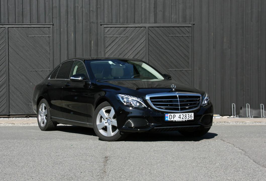 <strong><b>GJØR SUSEN:</strong></b> God fremgang for Mercedes, hovedsaklig takket være nye C-klasse (bildet). Foto: KNUT MOBERG