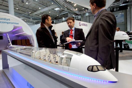 <strong><b>BARE STARTEN:</strong> </b>Det er ikke alle forunt å stå på Airbus sin stand på AIX-messen og vurdere nye fly. Og når du først kjøper et, må du stå for innredningen selv.  Foto: OLE PETTER BAUGERØD STOKKE