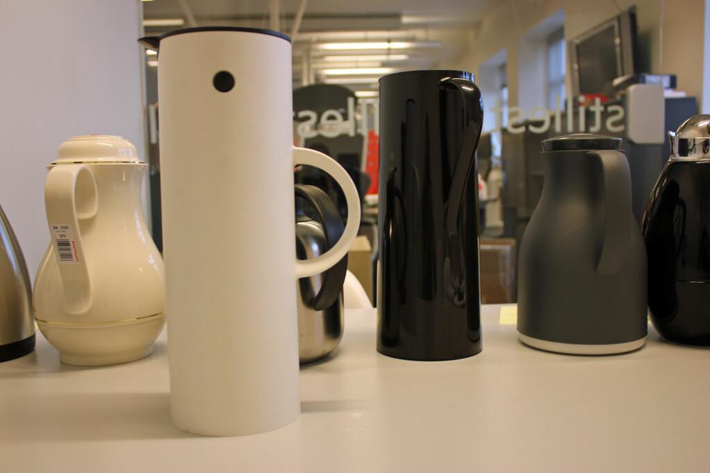 <b>TERMOKANNER:</b> Designkanner er pene å se på, men holder de kaffen varm? Foto: BERIT B. NJARGA