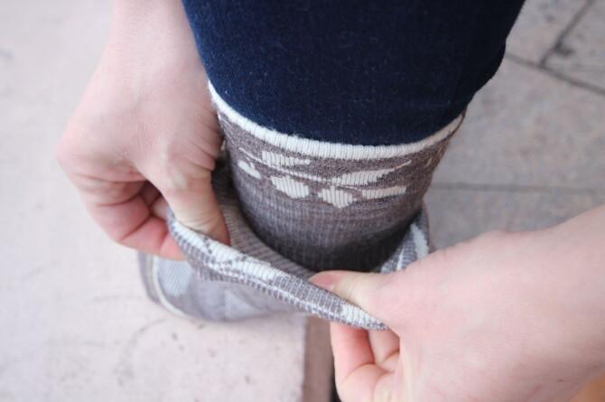 <strong>DOBBEL SOKK:</strong> Unngå gnagsår med dobbel sokk. De kan også holde beina varmere. Foto: KRISTIN SØRDAL