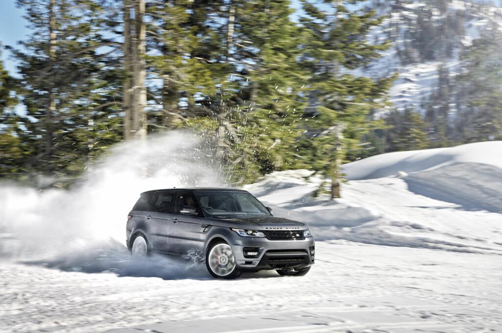 <b>SUKSESS:</b> På bare en måned ble det registrert 77 eksemplarer av denne luksusbilen: Nye Range Rover Sport. Og 38 prosent av alle nye biler hadde firehjulsdrift i januar. Toyota byttet plass med Volkswagen, Volvo falt kraftig fra desember og én av 10 kjøpte elbil. Dette er bare noe av informasjonen vi leser ut av OFVs bilsalgsstatistikk i januar. Foto: Land Rover