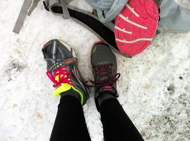 dd54d4ea Finaleheatet: Brodd fra Yaktrax eller oppiggede sko? Forsjkellene blir  tydelige når vi tar én