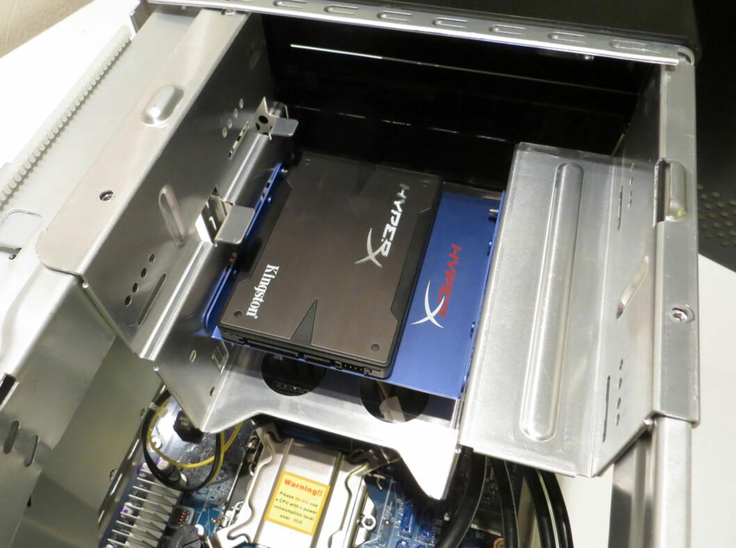 SSD-en montert på plass.